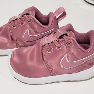 Nike Toddler Girl Shoes Size 4 Rose Color